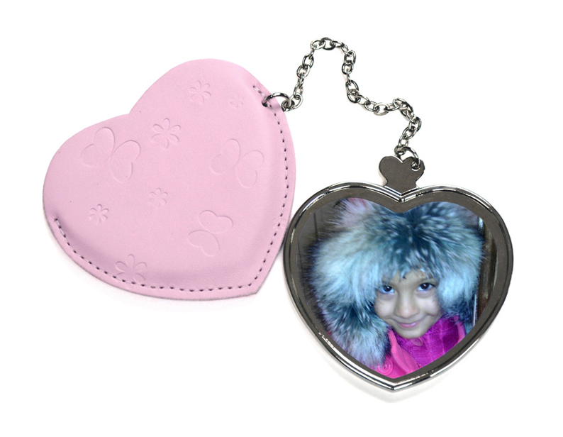 Сърцевидно огледало с калъфка от розова еко кожа