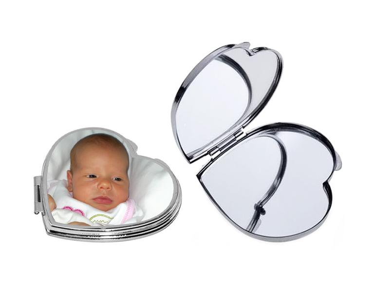 Метално сърцевидно огледало